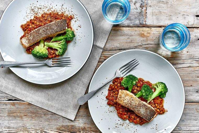 Salmon fillet with spicy tomato lentils, broccoli & flax seeds recipe