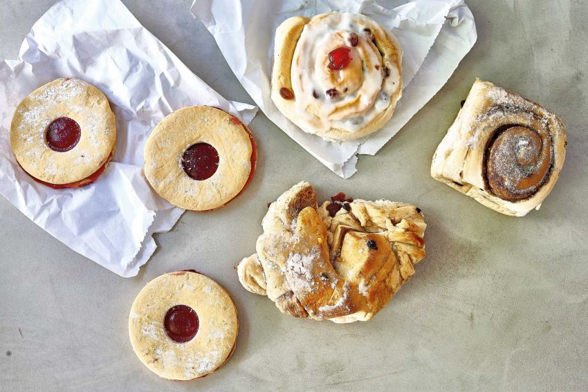 Shaldon Bakery Pastries including ugly bun and jammy dodgers